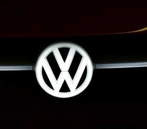 US regulators sue VW over emissions scandal