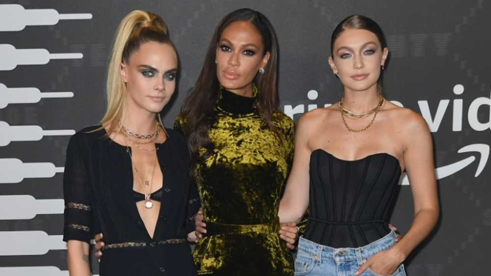 Rihanna's star-studded bash is toast of NY Fashion Week