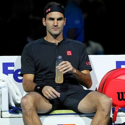 Federer faces early ATP Finals exit after Thiem defeat, Djokovic cruises