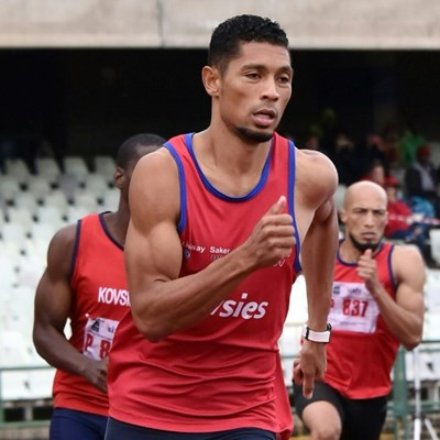 'Jogging' Van Niekerk claims another victory on comeback trail