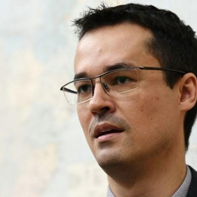 Brazil's top graft-buster steps down