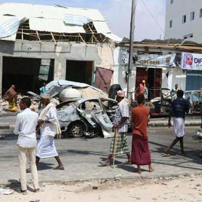 4 killed in car bombing near Somalia parliament
