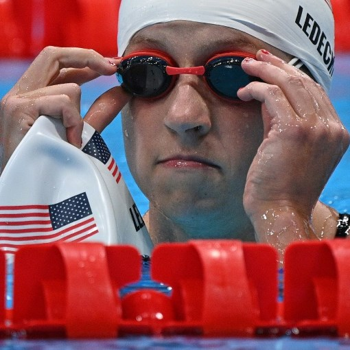 Ledecky bounces back to lead pack into 1500 free final