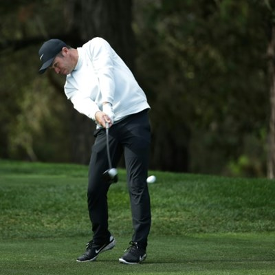 Casey leads Mickelson by three at Pebble Beach