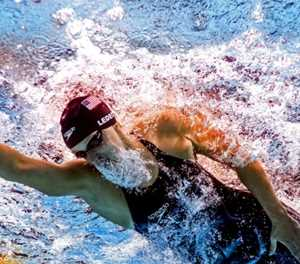 Ledecky smashes own 1,500m freestyle record in pro debut