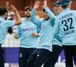 All-round Gregory stars as England clinch Pakistan series