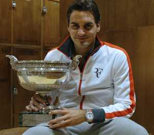 Federer says he will play at Roland Garros