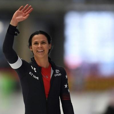 Bowe beats Japanese speedskaters to set 1,000m world record