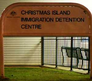 Australia announces reopening of offshore detention centre