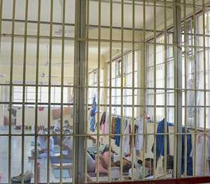 Thailand virus cases soar with prison clusters