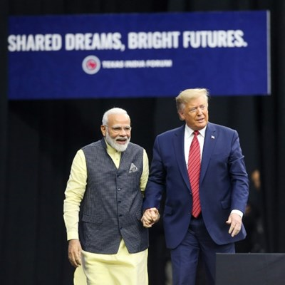 Trump, Modi vow relentless fight on extremists in mass rally