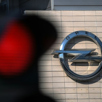 Opel slashes hours amid German carmaker gloom