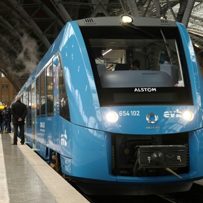 French rail company orders 12 hydrogen trains