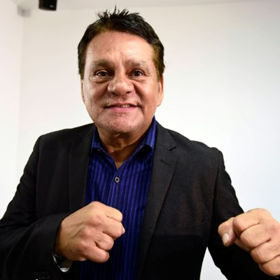 Panamanian boxing legend Roberto Duran hospitalized with COVID-19