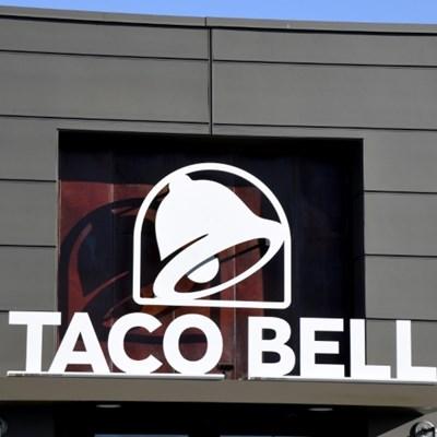 US schoolgirls rely on Taco Bell internet in 'digital divide'