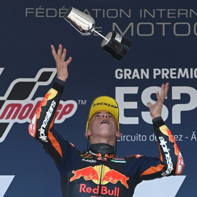Teenager Acosta wins third straight Moto3 race