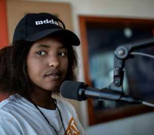 Teens fight gun crime with radio broadcast