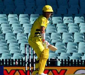 New Zealand spinners restrict Australia at empty Sydney stadium