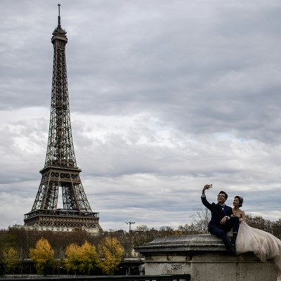 Eiffel Tower, shops, to close as fears of French protest violence mount