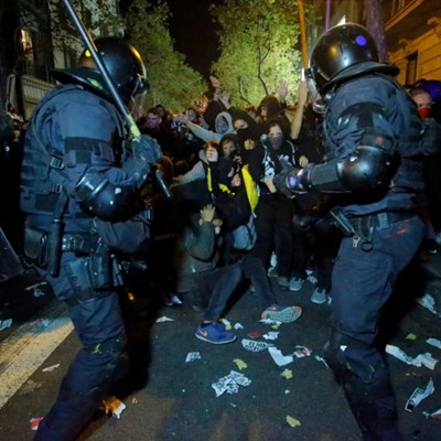 Spain PM holds emergency talks over violent Catalan protests