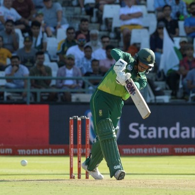 De Kock assault sinks Pakistan in series decider