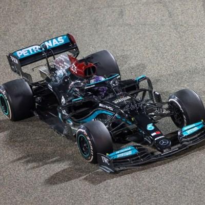 Hamilton wins thrilling season-opening Bahrain Grand Prix