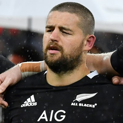 Coles opts to stay with All Blacks