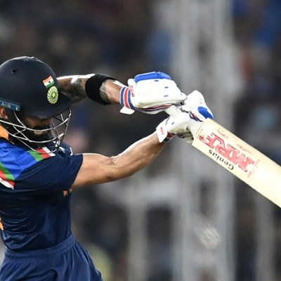 """Kohli hits form against England after """"chat"""" with India managers"""