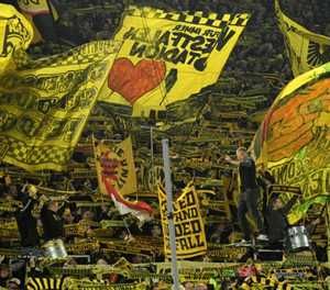 Dortmund's 'Yellow Wall': the 'gigantic monster' lying in wait for PSG
