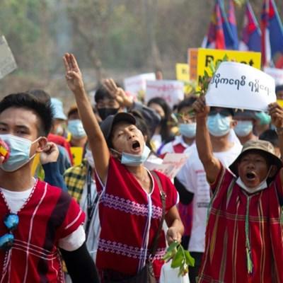 Suu Kyi faces court as UN envoy warns of Myanmar civil war