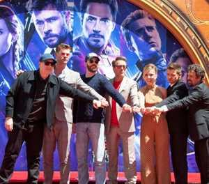Avengers assemble for final battle in 'Endgame'