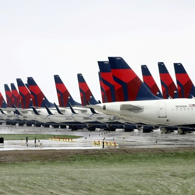 US airlines drop change fees amid Covid-19 downturn