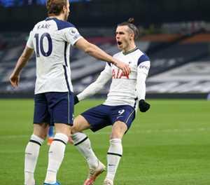 Mourinho praises Spurs after reaching 100 goals this season
