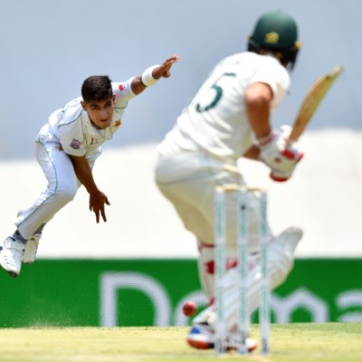 Australia unmoved despite lightning start by Pakistan's Naseem, 16