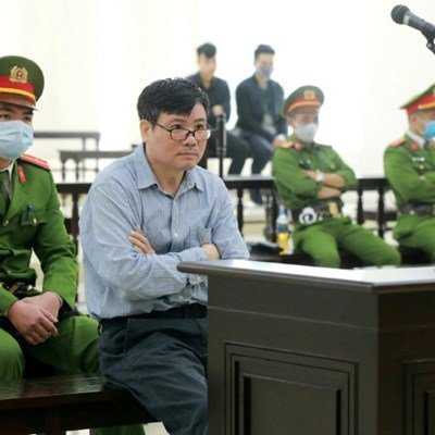 Rights groups condemn 10-year jail term for Vietnam blogger