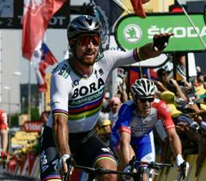 Sagan's 'special day' winning stage and yellow in front of family