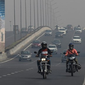 India's capital chokes on 'severe' smog as farm fires soar
