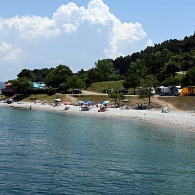 Croatia mulls 'tourist corridors' for Czechs