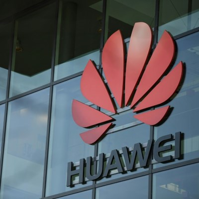 Huawei launches UK 5G charm offensive