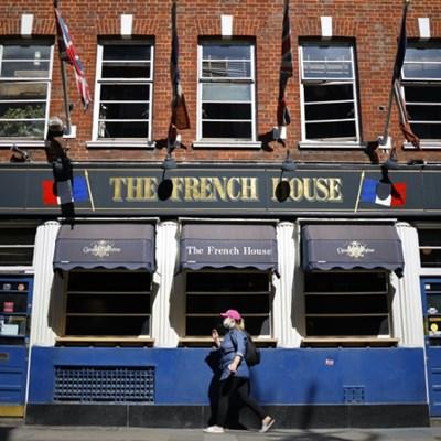 UK pubs try to avoid last orders as virus crisis deepens