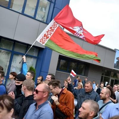 Nobel laureate refuses to answer Belarus investigators