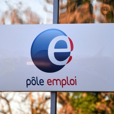 French unemployment at 10-year low