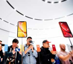After conquering the world, smartphone faces uncertain future