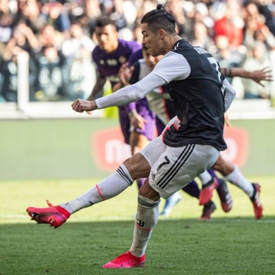 Ronaldo extends scoring streak to keep Juve ahead of Inter, Lazio