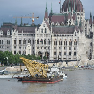 Desperate search after Budapest boat tragedy enters third day
