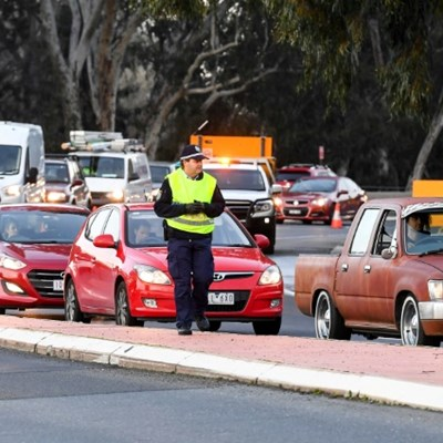 Panic-buying returns as Melbourne braces for lengthy lockdown