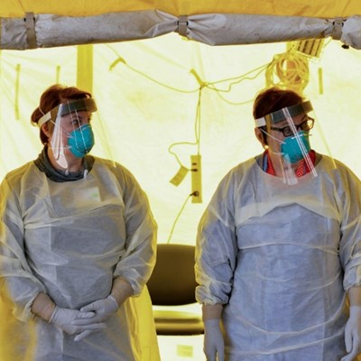 Use bandanas, scarves if no masks available: US health authorities