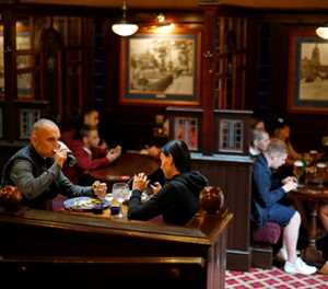 UK pubs face recruiting struggle ahead of indoor reopening
