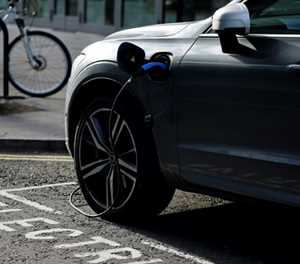 Volvo goes all-in on electric cars, online sales