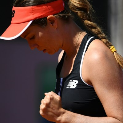 Collins wins first match back after endometriosis surgery